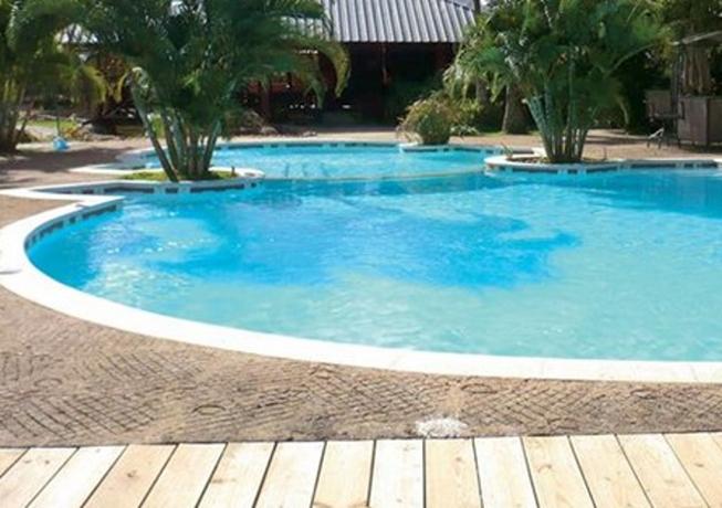BARAHONA: Mujer se ahoga en piscina