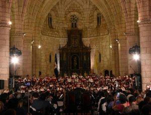 Coro de La Catedral en concierto con Cheo Zorrilla y Melliangee Pérez