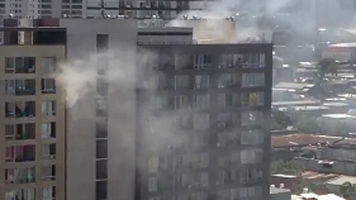 CHILE: Muere dominicana y su hijo al lanzarse de edificio en llamas