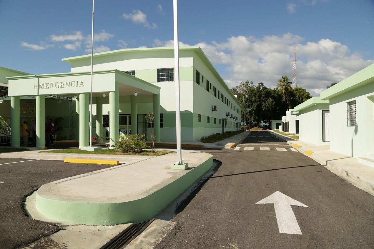 PEDERNALES: Gobierno inaugura hospital