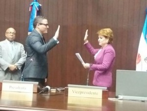 Juramentan a Jean Luis Rodríguez como diputado, sustituye a su padre