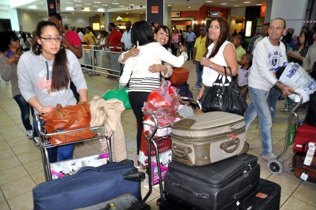 Unos 300 mil dominicanos ausentes llegarán al país para las navidades