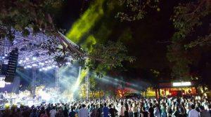 """Grupos divierten Mirador Norte en concierto """"Paz 'Quas"""""""