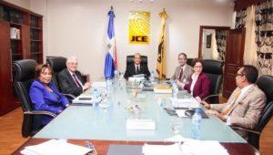 JCE acoge decisión TSE; devuelve  casilla 3 a PRD en boleta electoral