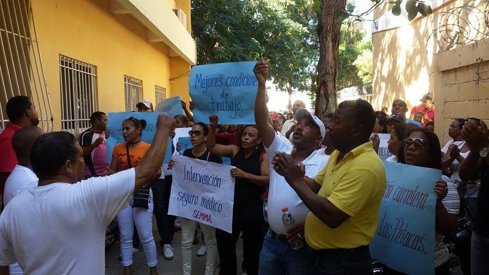NEYBA: Profesores demandan aumentos