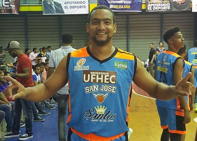 San José y Centro lideran basket superior de Higüey