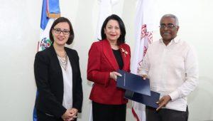 Fundación investigará impacto mujeres en microempresas