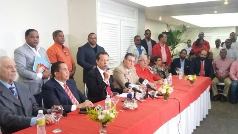 Un grupo del PRSC anuncia suspensión por un año de Federico Antún Batlle