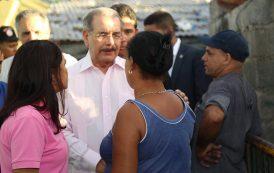 Presidente Medina supervisa avances saneamiento cañadas en barrios SD