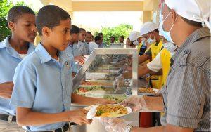 Educación pagará deuda con suplidores del desayuno y el almuerzo escolar
