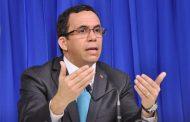 Navarro llama a la cordura a la ADP; insiste es imposible subir salarios