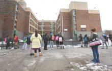 Cientos estudiantes dominicanos afectados por cierre escuelas NY