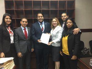 Diputados representantes de la juventud someten modificación Ley