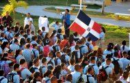 Llaman a 2.8 millones de estudiantes dominicanos a acudir a clases este lunes