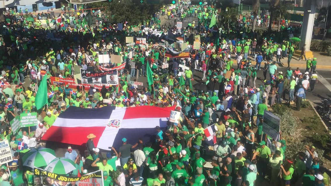 """Miles participaron en SD en """"marcha la contra impunidad y corrupción"""" en RD"""