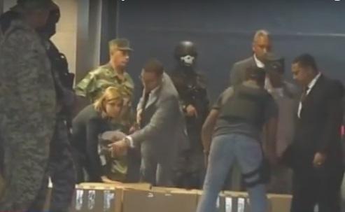 Autoridades ocupan 25 cajas y equipos en oficinas Odebrecht Santo Domingo