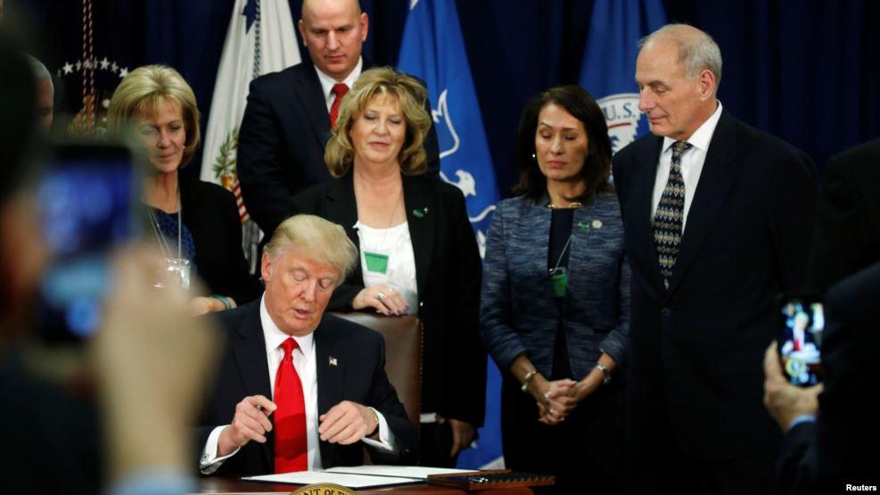 """Trump: Se construirá el muro de forma """"inmediata"""" y México pagará por él"""