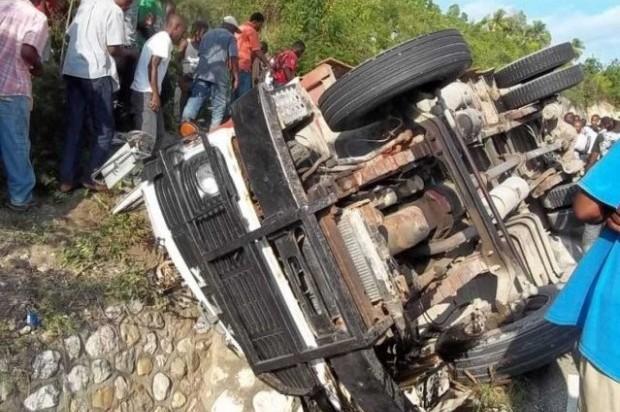 Al menos 20 muertos y decenas de heridos en un accidente en Haití