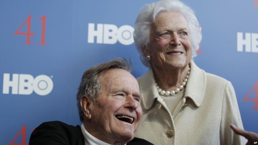 TEXAS: George y Barbara Bush hospitalizados