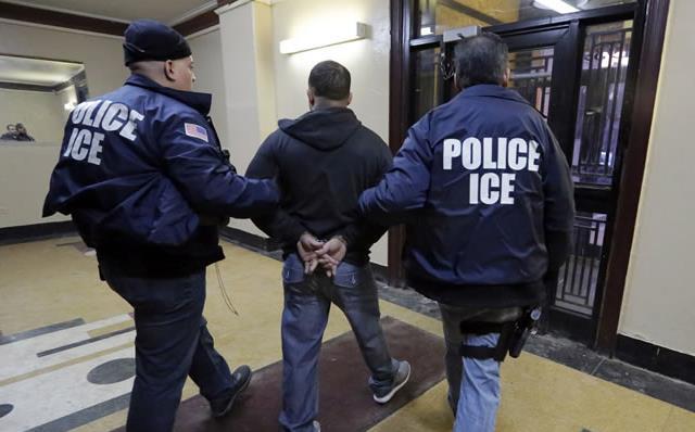 Jueza Inmigración frena deportación de criollo por caso droga 2002