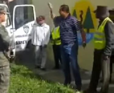 AMET sigue reteniendo vehículos en forma ilegal; Coronel enfrentó agentes
