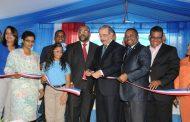 Medina entrega escuela para 1,015 estudiantes en Sabana Perdida