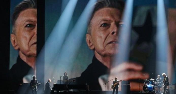 David Bowie y Leonard Cohen optarán a los premios Brit