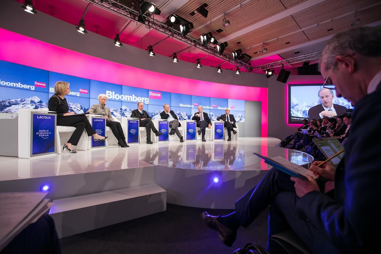 Líderes mundiales examinan nuevas formas para conectar próximos mil millones