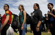 México deporta a 91 cubanos de su territorio