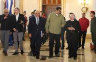 VENEZUELA: Presentan a Maduro propuesta para el diálogo