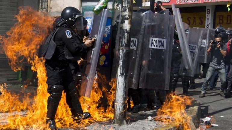 MEXICO: Otros dos muertos en disturbios por el alza de gasolina; suben a seis