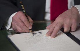 ¿Cuáles son los primeros documentos que firmó Donald Trump?