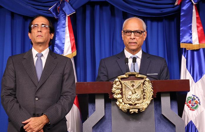 Medina crea comisión para investigar la licitación planta de Punta Catalina