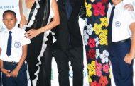 Fundación Mir presenta modas de Naeem Khan
