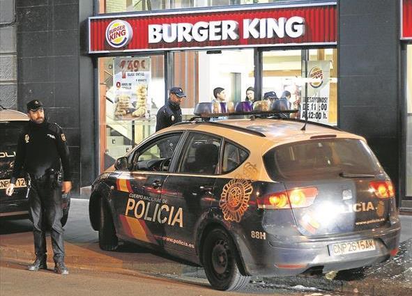 ESPAÑA: Se recupera joven RD apuñalado en el cuello en Zaragoza