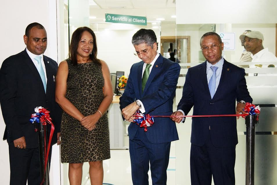 Banco Ademi inaugura oficina en Rio San Juan
