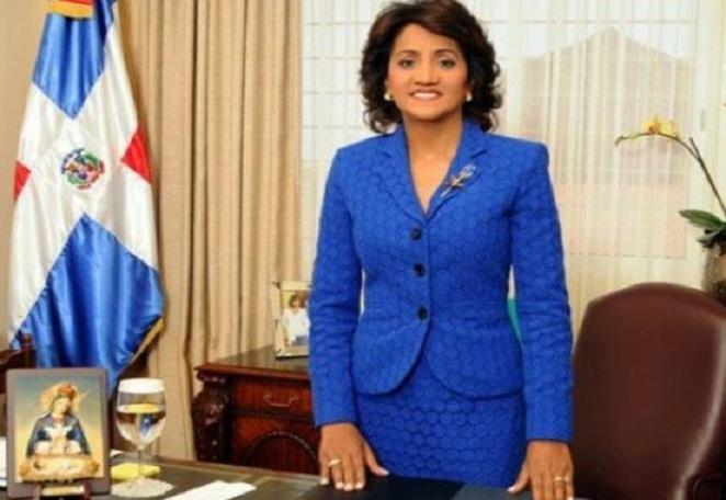 Primera Dama expresa reconocimiento juventud