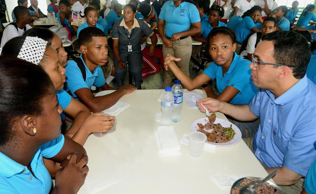 Ministro Educación destaca el reinicio de la docencia en la RD
