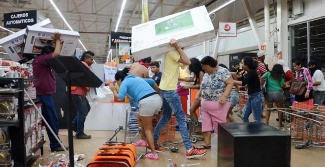 MEXICO: 20 mil comercios cierran por miedo a saqueos tras alzas gasolinas