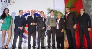 Premian los mejores atletas en automovilismo