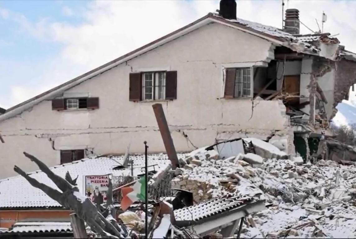 Tres fuertes terremotos sacuden Italia
