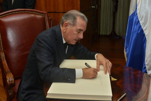 Presidente promulga Ley de Movilidad, Transporte Terrestre y Tránsito