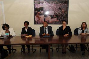 Los integrantes del tribunal disciplinario del PRD son Rafael Vasquez Paulino, presidente; Digna Yan Severino, vicepresidente; María Sánchez, secretaria; Carmen Aleida García y Elsida Díaz, miembros.