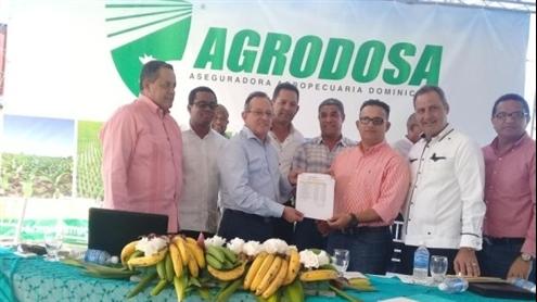 Agricultura entrega 149 millones pesos productores afectados por inundaciones