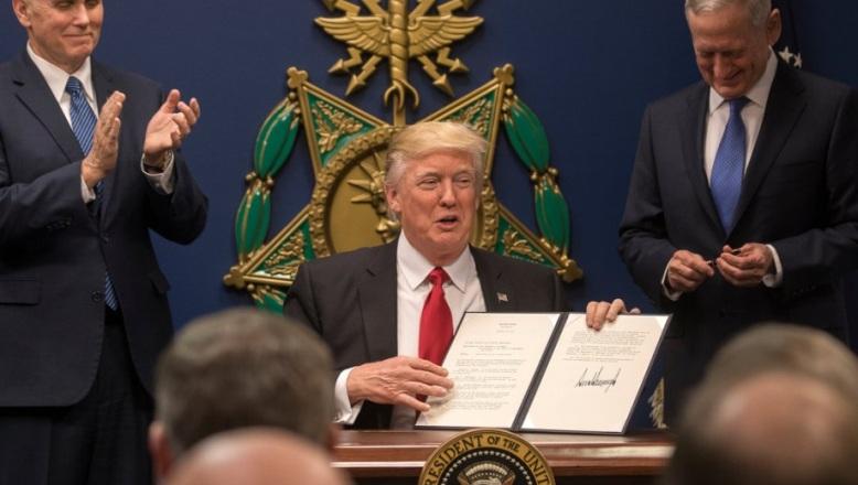 Trump dice que las redadas migratorias responden a su promesa de campaña