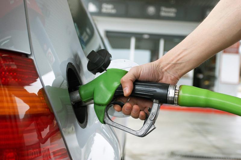 El Gobierno aumenta RD$2.00 al galón de gasolina, gasoil, avtur y kerosene
