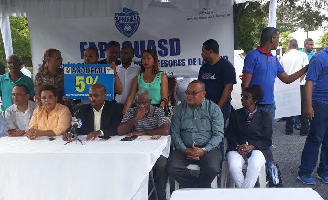 Gremios empleados administrativos respaldan paro en Universidad Autónoma