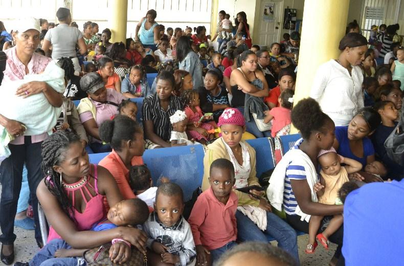 Denuncian malas condiciones áreas pediátricas hospitales interior de la RD