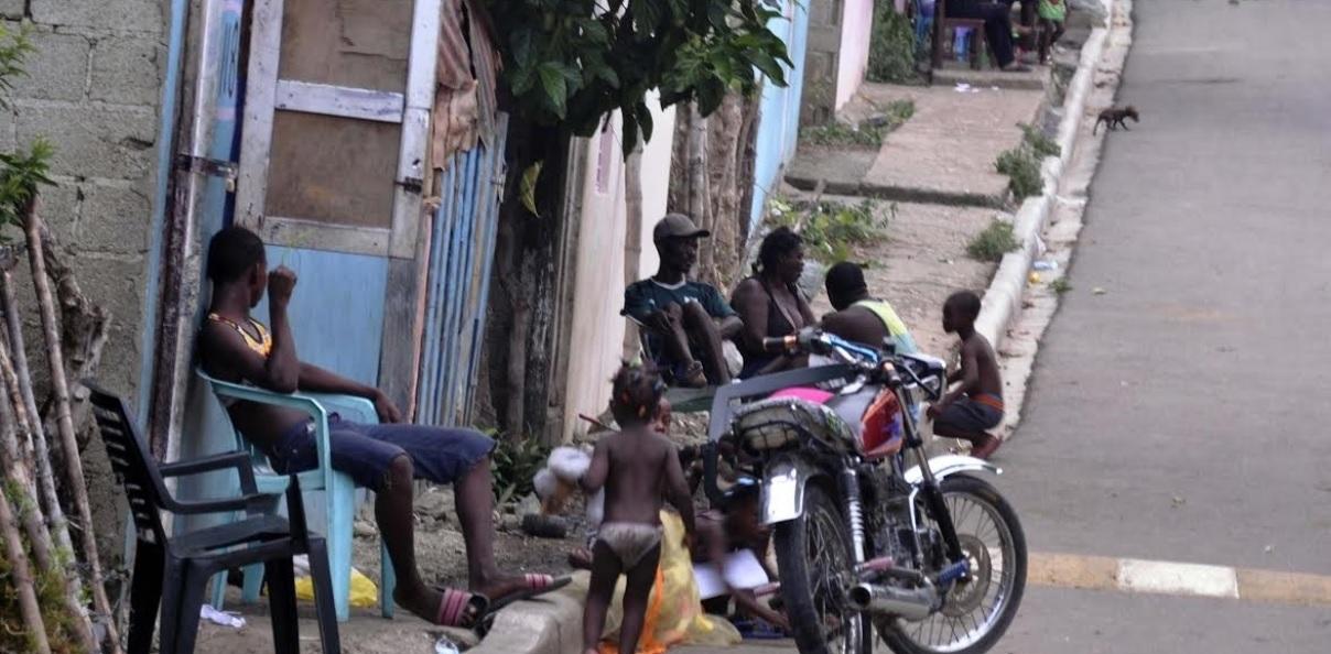 Senador propone crear municipio frene asentamientos haitianos cerca frontera