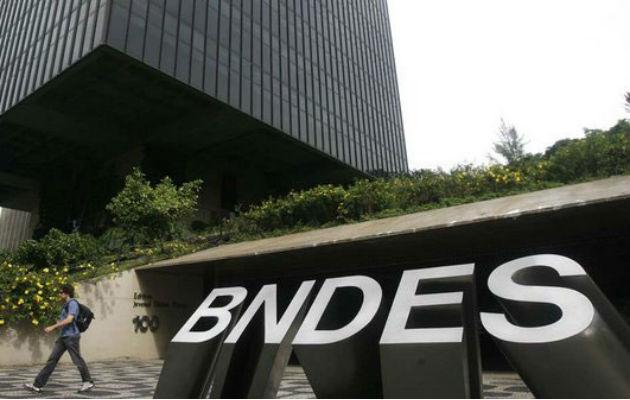 Banco de fomento brasileño estudia liberar US$600 millones a Odebrecht